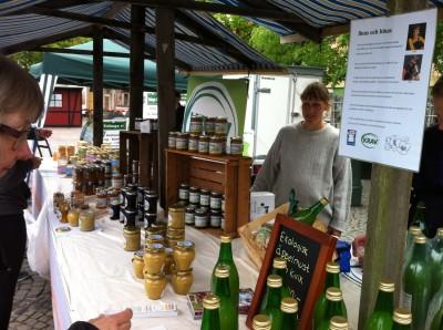 Linas och binas bondens marknad 24 maj 2014